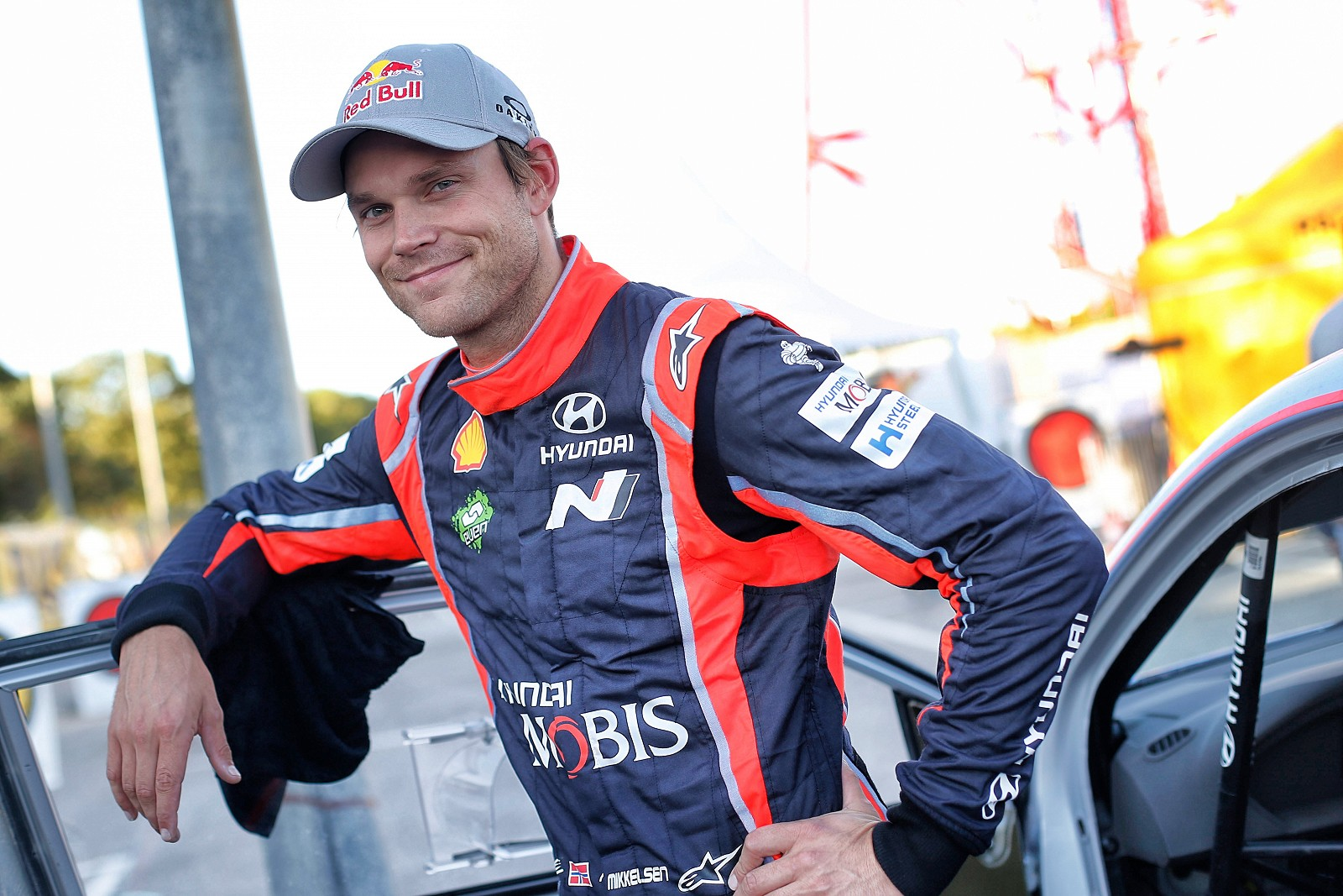 Andreas Mikkelsen with Hyundai Motorsport for 2018 & 2019